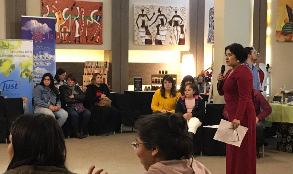 Mujeres Descomunales: Expo Emprendedoras en San Felipe reunió a 80 personas en Gira Regional