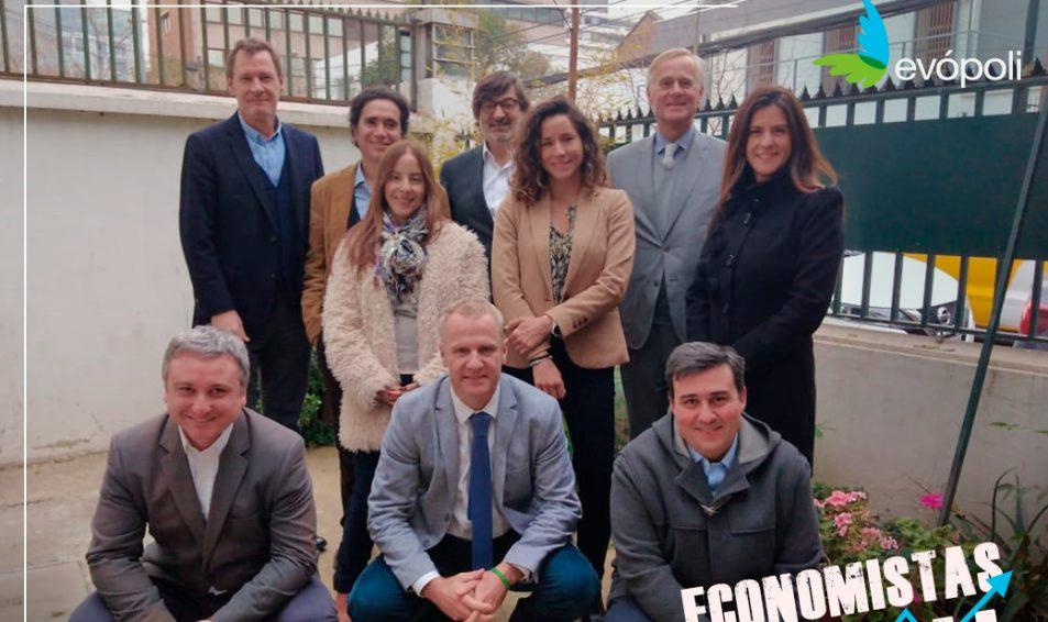 Economistas de Evópoli prepararán propuestas para reactivar el crecimiento y la inversión