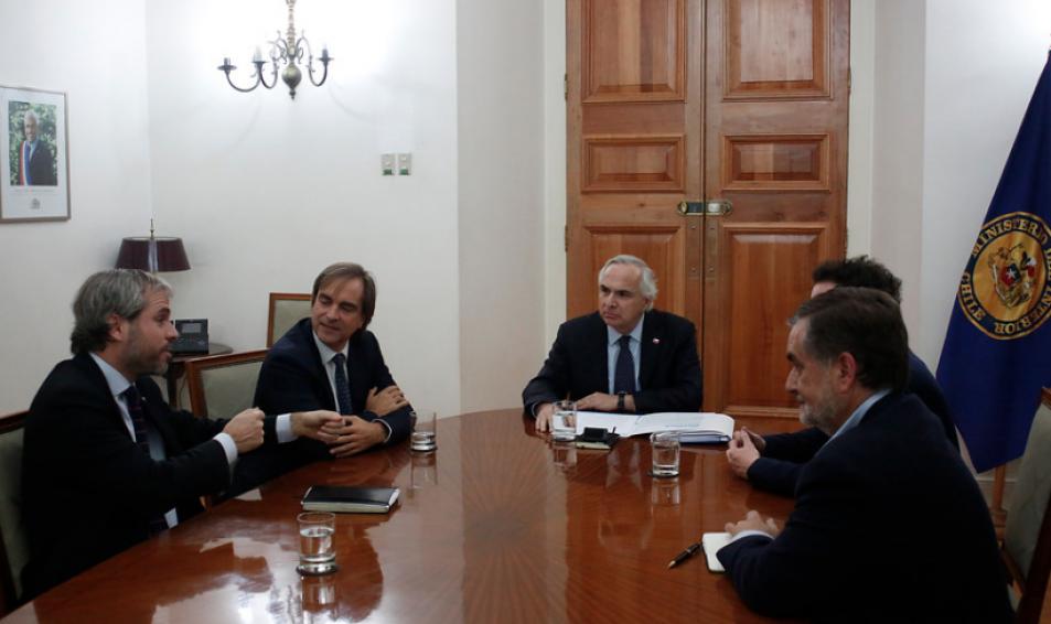 Evópoli presenta propuestas de modernización del Estado