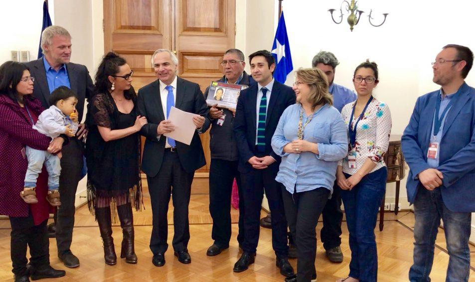 Gobierno ingresa urgencia legislativa a ley extraviados de diputado Pablo Kast para priorizar su aprobación