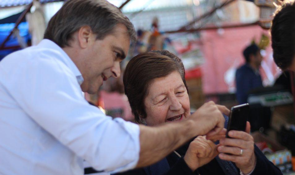 Evópoli entregó al Gobierno propuesta para congelar pago de contribuciones en adultos mayores