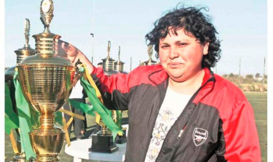 Dirigenta Evópoli, Berta Díaz, ganó premio de fútbol amateur en concurso nacional Camiseteados