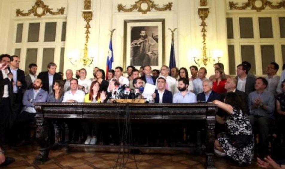 Acuerdo histórico entre oposición y oficialismo: Chile tendrá nueva Constitución con participación ciudadana
