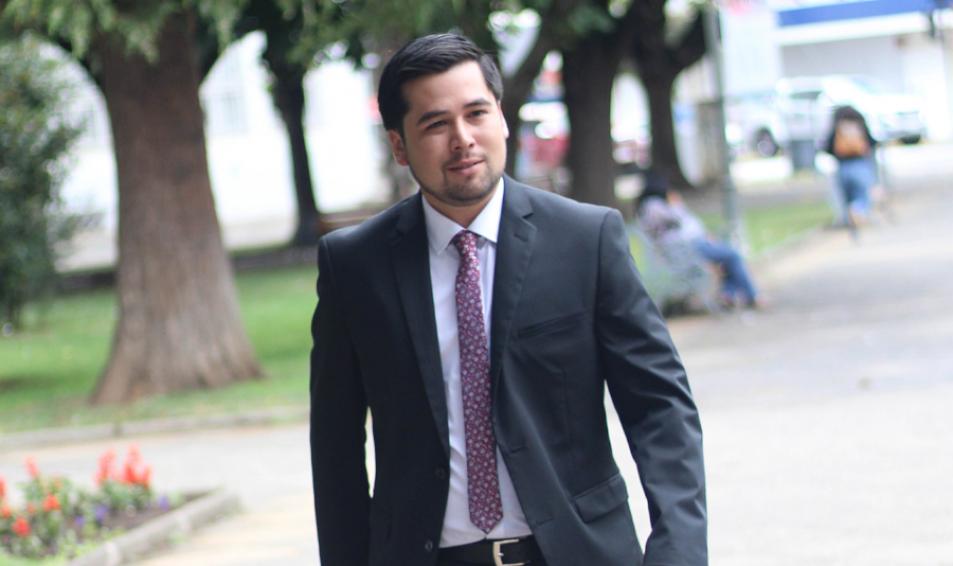 ¿CONOCES A?  Matías Velásquez Flores